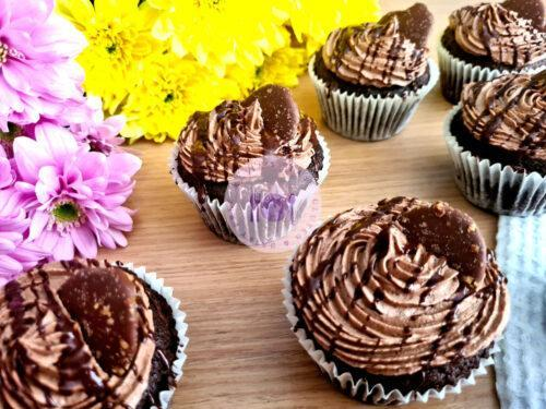 Read more about the article Vegan Chocolate Cupcakes