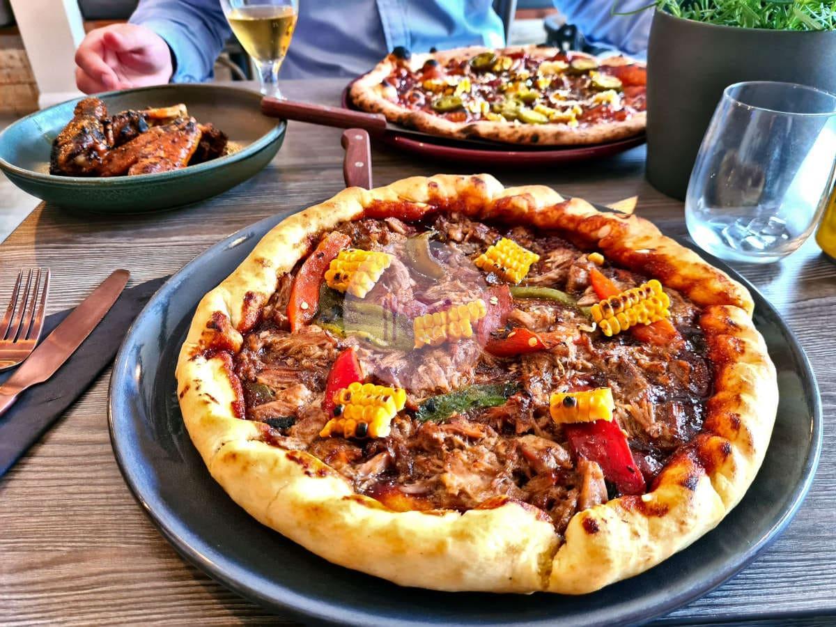 Dough-thrower-bbq-pizza