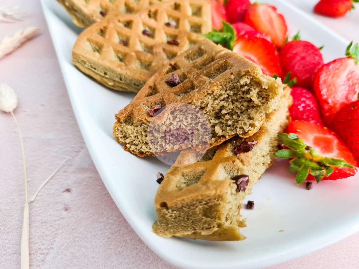 vanilla-oat-protein-waffles-cut