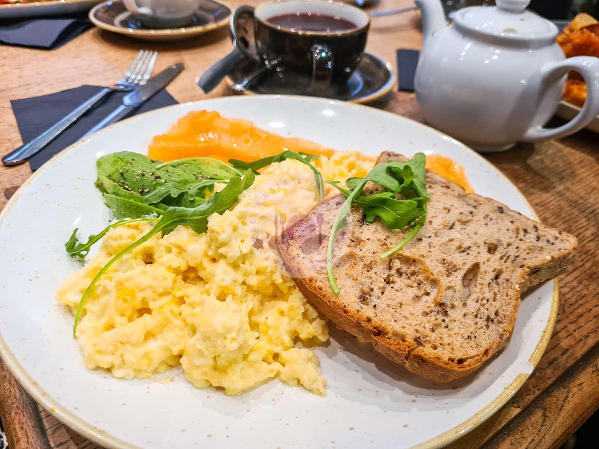 Quay-Ingredient-salmon-eggs